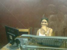 Yanaris Bravo Lima, la bella informática de CMHV, Radio Vertientes, actualiza el kasperky en este momento.