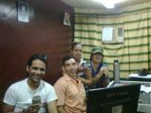 """Escuchando """"Tardes de Café"""" (Habana Abierta) con el colectivo de la revista informativa Agenda CMHV."""