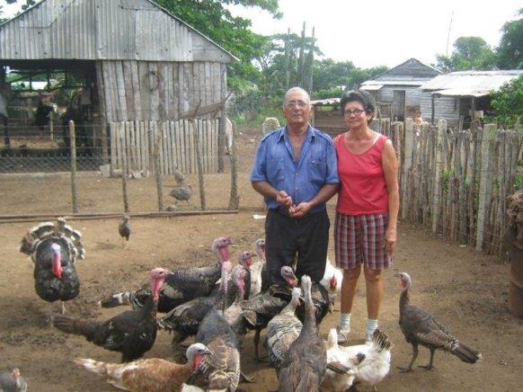 Marcelo y su esposa Magalys, en la casa de campo de Camagüey